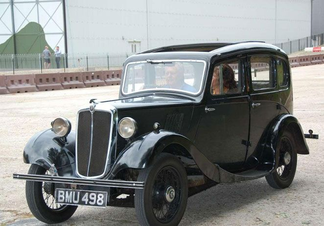Morris-eight-motorcar.jpg