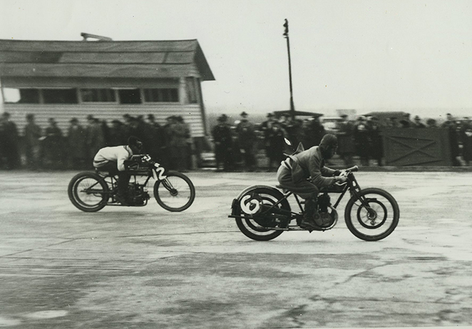 Motorcycle Racing Eyston Zenith Bradshaw And Heritage Sunbeam Brooklands 1922.jpg