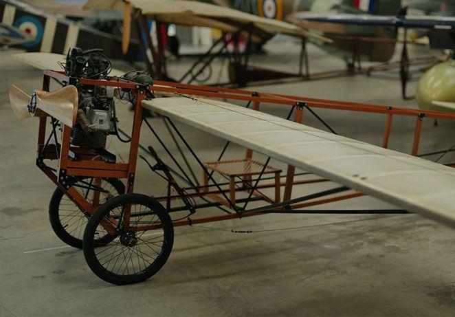 Sports-white-monoplane.jpg