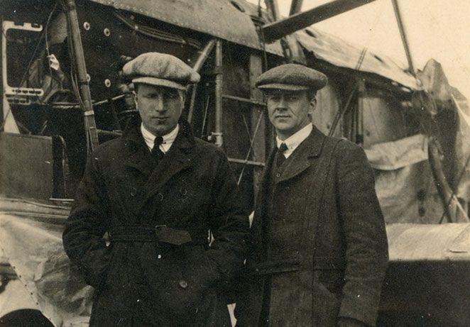 Capt-Alcock-(L)-and-Lieut-Brown-(R),-of-the-first-non-stop-trans-Atlantic-flight.jpg