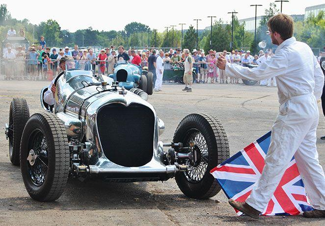 Brooklands-relived-Napier-railton-flag.jpg