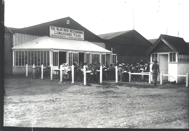 Flight ticket office 1911.jpg
