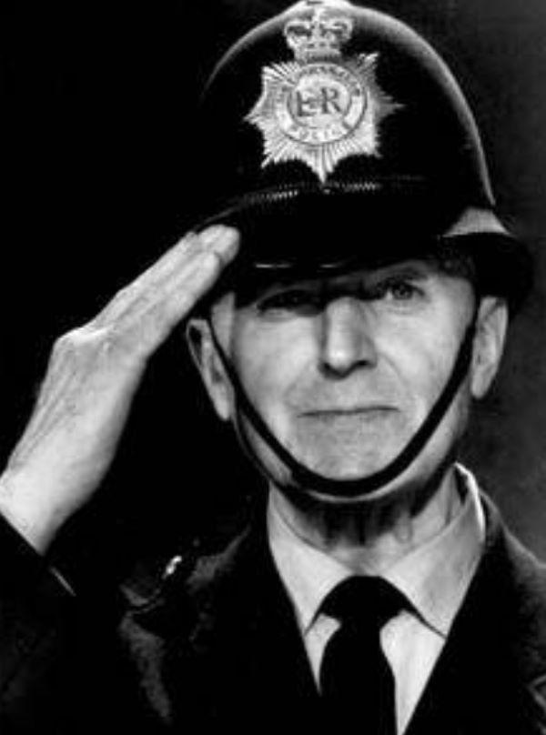 Jack Warner.jpg