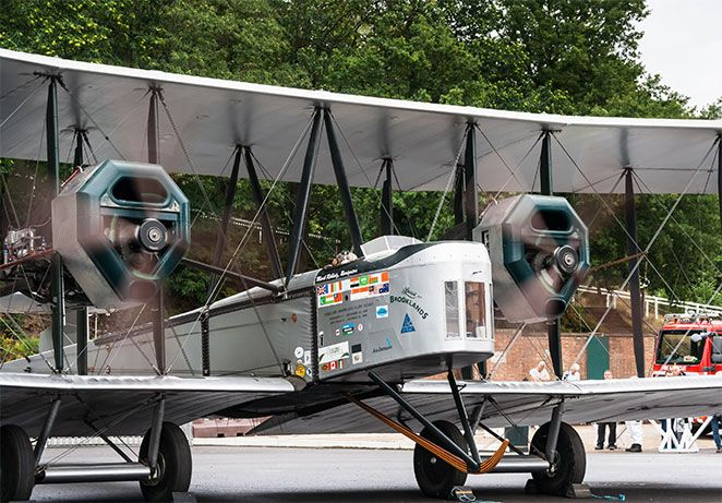 aviation-day-vimy-engine-run.jpg