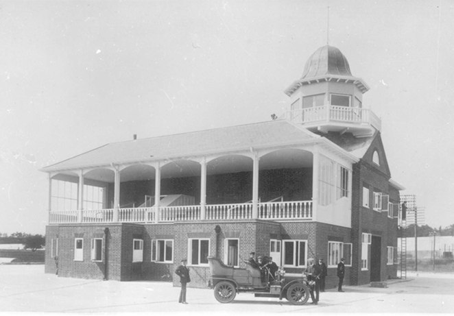 1907 clubhouse.jpg