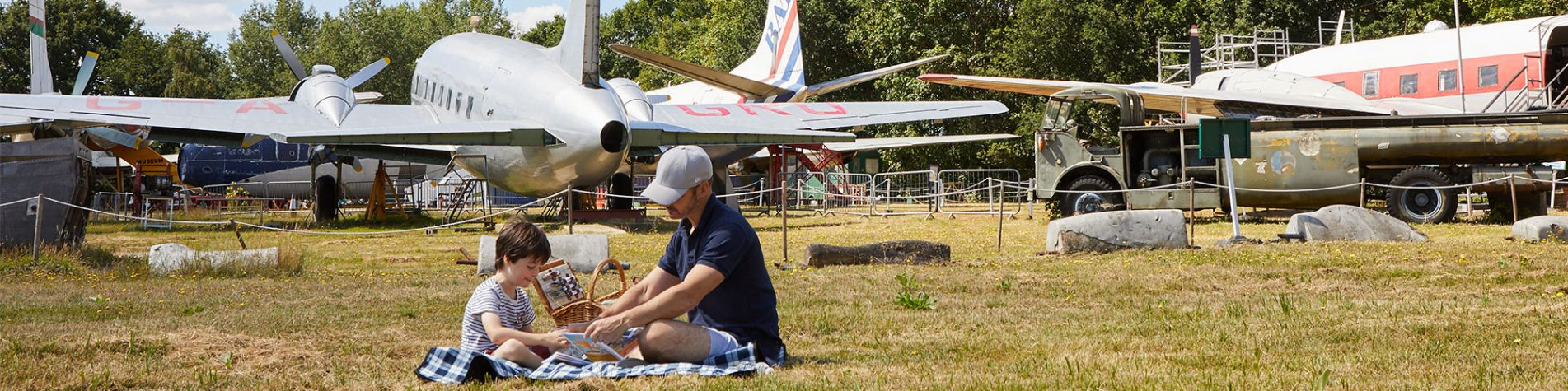 picnic-in-the-aircraft-park--header-CC-sarah-Hogan.jpg